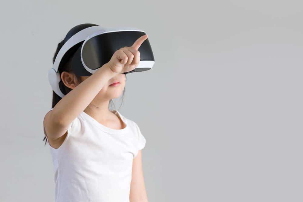 Lenovo pracuje nad nowym zestawem VR. Kto z niego skorzysta?