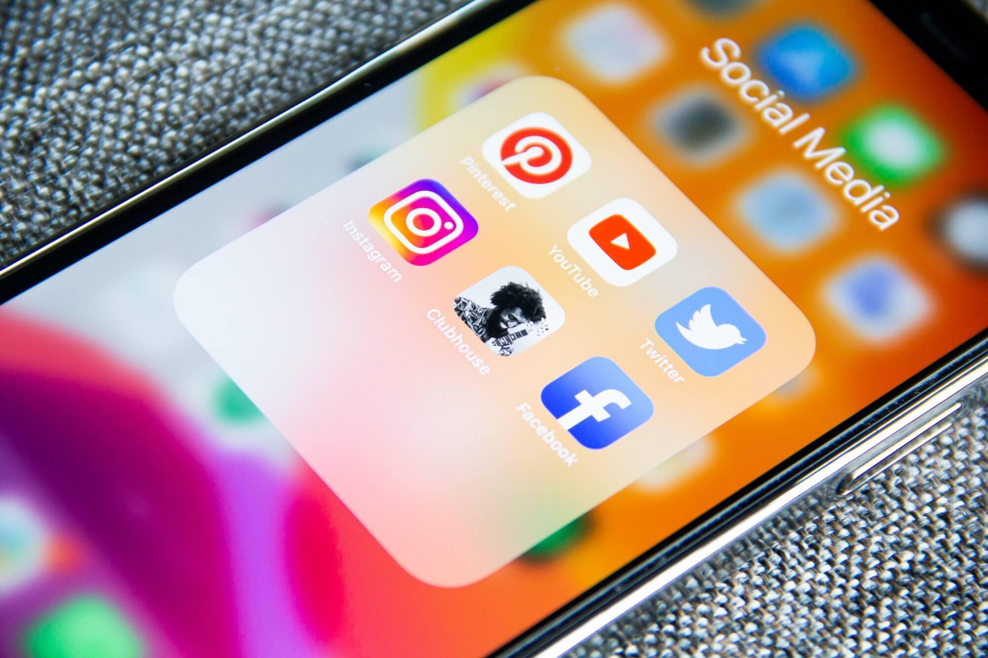 ikony social media smartfon